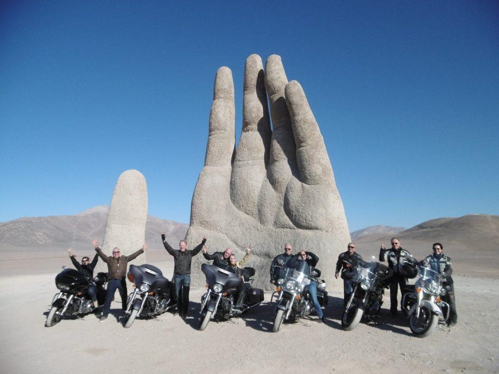 Mano del Desierto - Photo d'un groupe de voyageurs West Forever