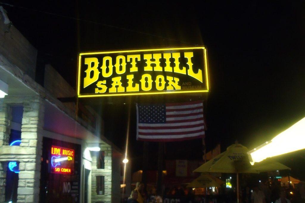 Devanture BootHill Saloon