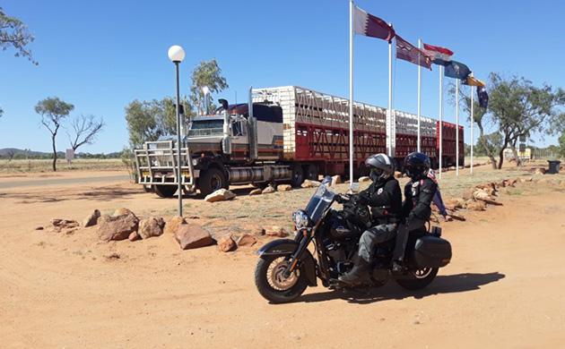 Bernard et sa femme au guidon de leur moto